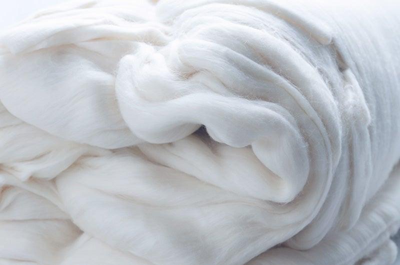 「ふわふわの綿毛をそのまま身にまとえたら」。そんな願いから生まれたのが、watanomamaです。